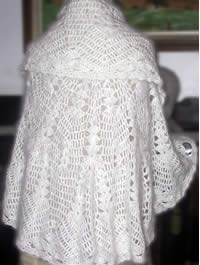 Angora Wool Throw - Round in white colours